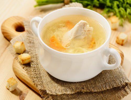 Какую приправу добавить в куриный суп