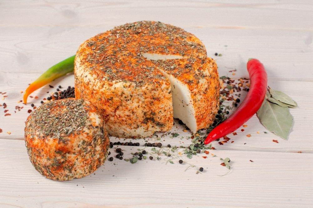 Какие специи добавить в домашний сыр