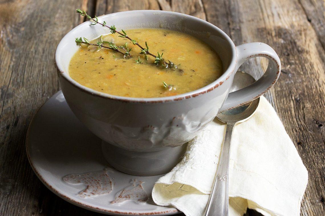 Какие приправы добавляют в гороховый суп